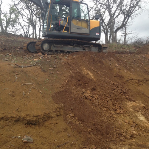 Large retaining wall backfill, grading, cut – Eagle Point
